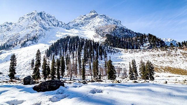 Sonamarg - Places to see Snowfall in India