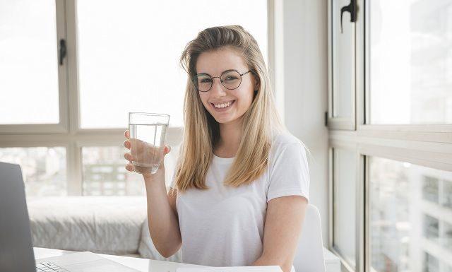 hydrate water girl
